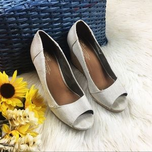 Toms cream and silver peep toe wedges